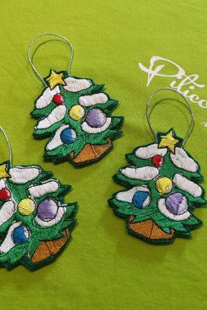 Ornamente (din fetru, brodate) pentru bradul de Craciun
