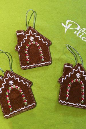 Ornamente brad de Craciun din fetru - Casuta de turta dulce brodata